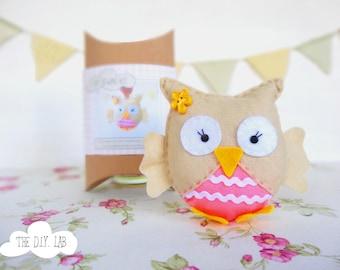Felt owl craft kit- DIY craft kit- Craft kit- felt sewing kit- kids craft kit- sewing kit- owl plush - hand-sewing kit