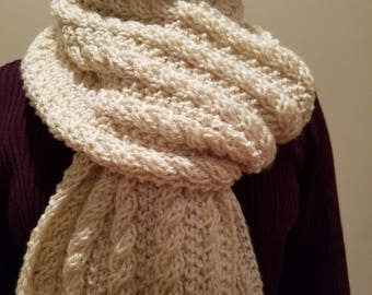 hand-knitted Deborah Norville Everyday Premier scarf(light cream)