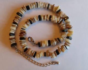 Retro/vintage style sea shell necklace