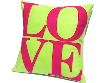 AIME les appliques housse de coussin au printemps lumineux couleurs - vert fluo et choquantes Eco-feutrine rose | Cadeau pour elle | Mid-Century Mod Decor