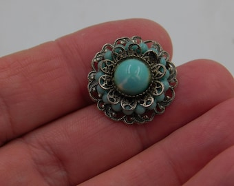 Vintage Mid Century Round Silver Tone and Turquoise Costume Jewelry Pin or Brooch dr62
