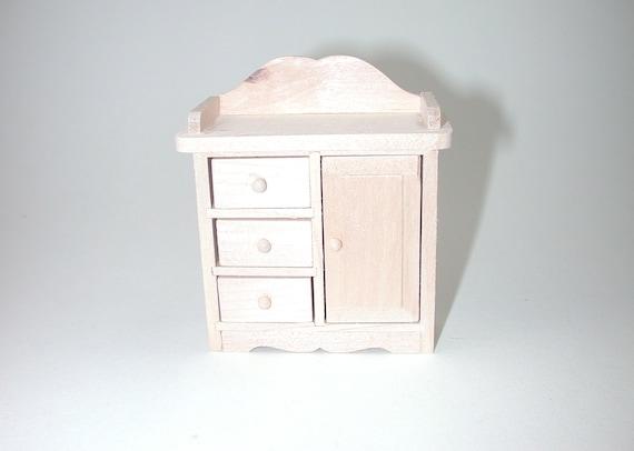 Wickelkommode, für die Puppenstube, das Puppenhaus, Dollhouse Miniatures, Krippen, Miniaturen, Modellbau # 840-820