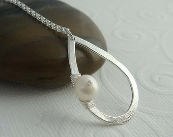 Astoria Silver necklace, Pearl necklace, pearl pendant, Sterling silver jewelry , gift for her