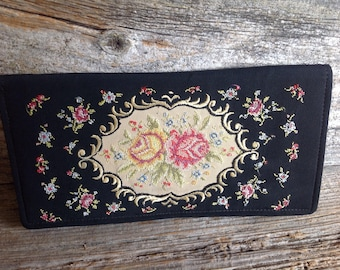 Vintage Needlepoint Floral Clutch w/mirror vintage/clutch/needlepoint/embroidered