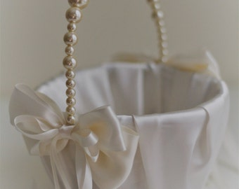 Ivory Pearl Flower Girl Basket \ Ivory Wedding Baskets with Pearl handle, Wedding Ceremony Basket \ Flower Petals Basket