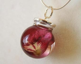 Sale 20% Rabais Rose petal necklace, rose necklace, flower pendant, resin flower pendant, botanical necklace, rose petal, glass necklace, ro