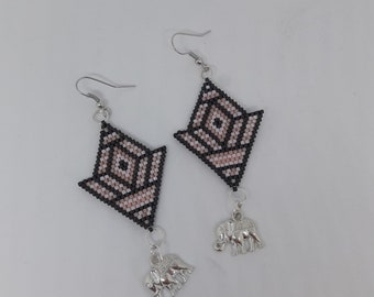 Earrings in Pearl miyuki 11/0 delicate pink and gray