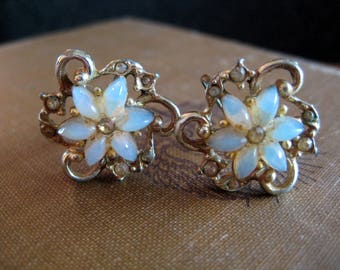 Vintage Gold And Moonstone (?) Rhinestone Floral Screw Back Earrings . Unsigned