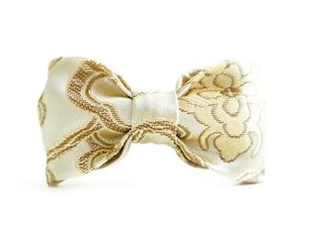 "Dog Collar Bow Tie ""Gold Baroque"""