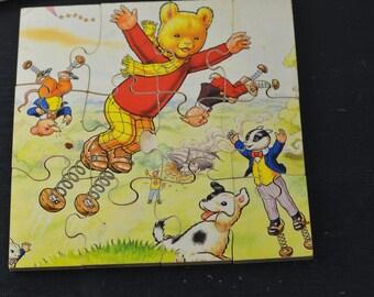 VINTAGE Wooden 12 Piece RUPERT the BEAR Jigsaw Puzzle (A9b)