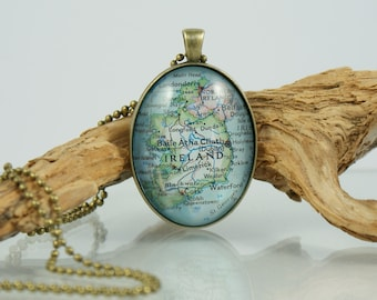 IRELAND, Dublin, Vintage Glass Cabochon Necklace,Map, World Travel,Globetrotter,Glass domed Cabochon,City,Gift,Belfast,EUROPE