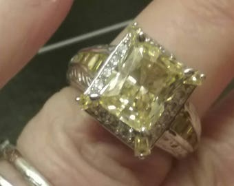 Canary diamond ring Etsy