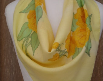"""Handpainted scarf with yellow wool Bunting """"6 yellow roses"""" by Lesaiguillesdemaman"""