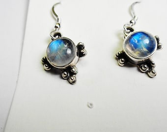 Labradorite Earrings.  9 mm. Round Labradorite Silver Dangle & Drop Earrings.
