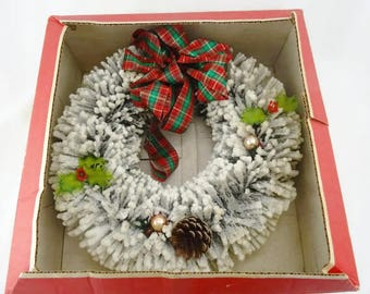 "Vintage Bottle Brush Wreath Christmas Decoration from Holiday House Decorator Wreath 13"" As Is"