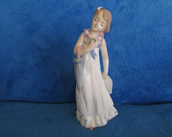 Vintage flower girl porcelain figurine  Made in Spain Mallorca by Studio