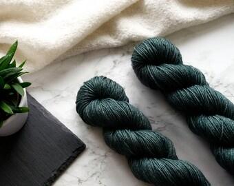 Hand dyed yarn, handgefärbte Wolle, hand dyed dk yarn, handdyed yarn, merino silk yarn dk, dk merino yarn, Featherfin PREORDER - Pine