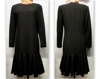 Black dress, style Charleston, long sleeves