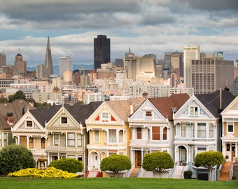 San Francisco Victorian Colorful Houses, City Skyline, Classic Homes - Painted Ladies