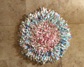 "27"" ROUND CROCHETED RUG"