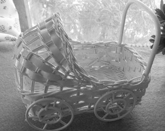 """6"""" Vintage Wicker Carriage - Great for Baby Shower Decorations"""