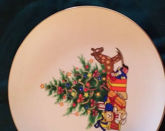 "Vintage Papel ""Happy Holidays"" Christmas Plate"