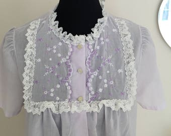 vintage lavender nightgown housedress cotton / embrodiered flowers lace / romantic victorian plus size LINDA