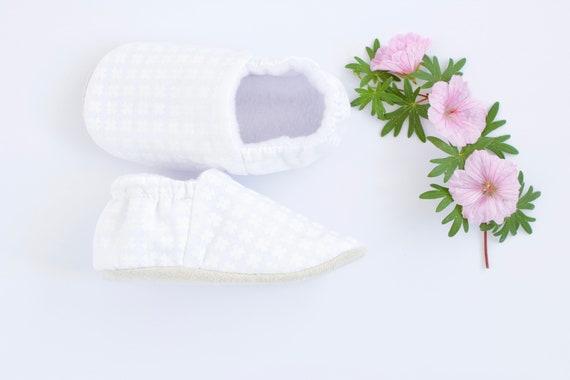 White cotton baby boy shoes/moccs crib shoe pram shoe