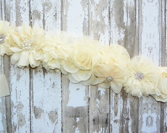 Ivory Bridal Sash, Flower Girl Sash, Ivory Flower Belt, Ivory Wedding Sash, Bridesmaid Sash, Bridal Belt, Wedding Dress Belt, Ivory Wedding