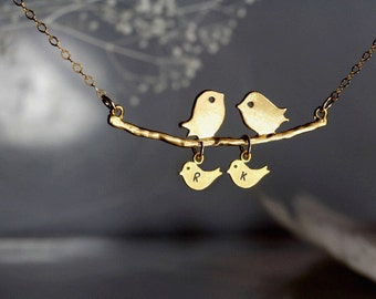 Personalized Family necklace, Love Birds on the branch, Mothers necklace, Baby Birds Necklace, Mothers day gift, Baby Shower, Kissing birds