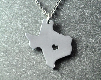 Free shipping - I  heart Texas  Necklace - Texas  Pendant - State Necklace - State Charm - Map necklace - Map Jewelry , girlfriend gift