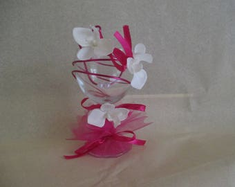 Table decoration for wedding, white and fuchsia