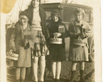 vintage photo 1924 School Days Flapper Teen and 3 Girls w Lunch Pails