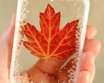 Paperweight/Suncatcher with real Maple Leaf