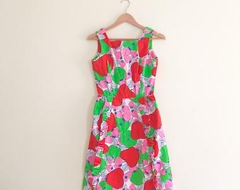 Vintage Strawberry & Apple Print Fit and Flare Dress / Novelty Print Dress / Summer Mod Day Dress - 1960s