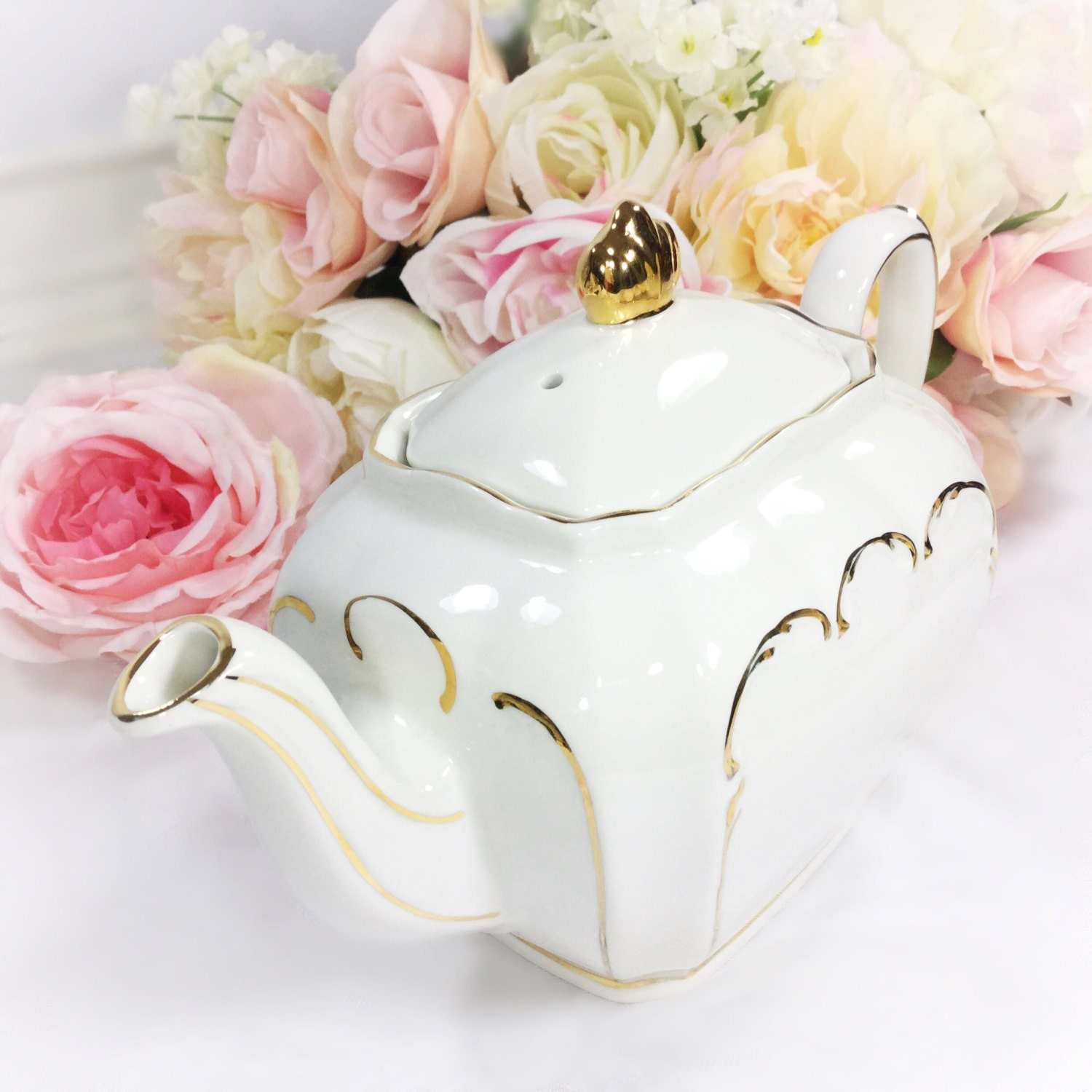 Cubed Sadler English Teapot, Cubed Windsor Teapot, White and Gold ...