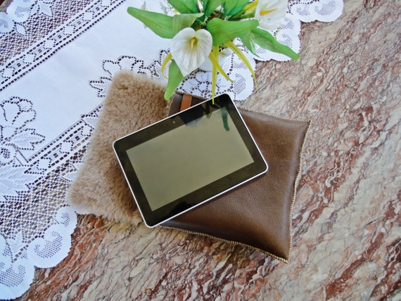 Sheepskin tablet case. Genuine leather, natural sheepskin. Ipad sleeve. Customize individual size.
