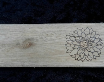 Flower plaque wall hanging / paperweight