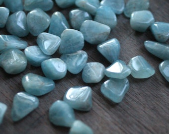 Aquamarine Small Tumbled Stone