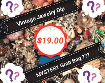 Vintage Jewelry MYSTERY Bling GRAB BAG O'Vintage Jewellery Surprise Blind Bag of Jewels Ring Necklace Figural Brooch Bracelet Gift Under 20