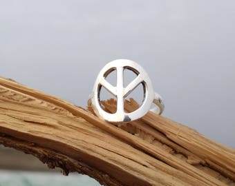 Peace Ring - Sterling Silver Peace sign Ring - Handmade Peace ring - Delicate Ring- Sterling silver handmade ring