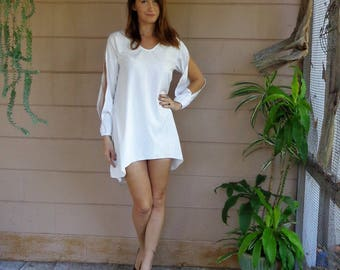 Vintage Tunic Mini Shirt Dress / White Long Sleeves Cut Out Fishtail Hem Early 90's