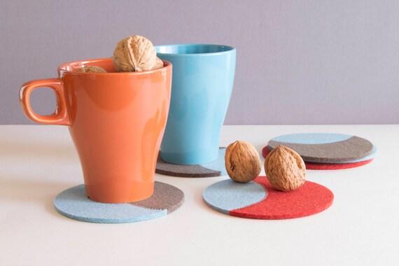 Set of round felt coasters / round coasters / orange, taupe, light blue / stylish coasters / wool felt / handmade / made in Italy