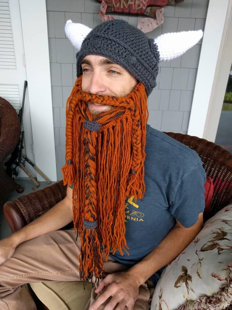 Wikinger-Helm mit Bart