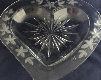 0103 Heart shaped crystal bowl