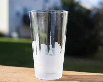 Etched Tokyo, Japan Skyline Silhouette Pint Glasses