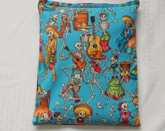 """Heating/Ice Pad 9"""" x 11"""" - Aromatheraphy Herbal Pack - Skeleton Party - Blue"""