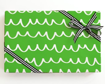 Green Scallop Wrapping Paper Christmas Gift Wrap Sheets Girl Birthday Wrapping Paper Rolls Green and White Holiday Wrapping Supplies