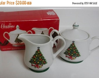On Sale, Christmas by Carlton, Clemens Pottery, Christmas Tree, Porcelain Sugar and Creamer Set, New in Box, Action Industries, VINTAGE 1986