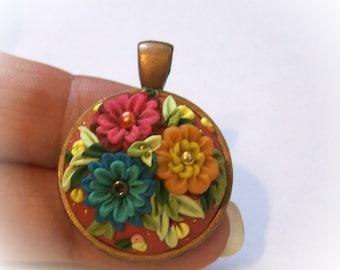 Multi Arrangement Floral 3D à la main sculptée Relief 1» lunette de cuivre pendentif collier avec chaîne